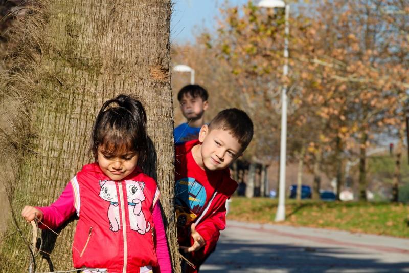 Sjovt udendørslegetøj lokker barnet med ud
